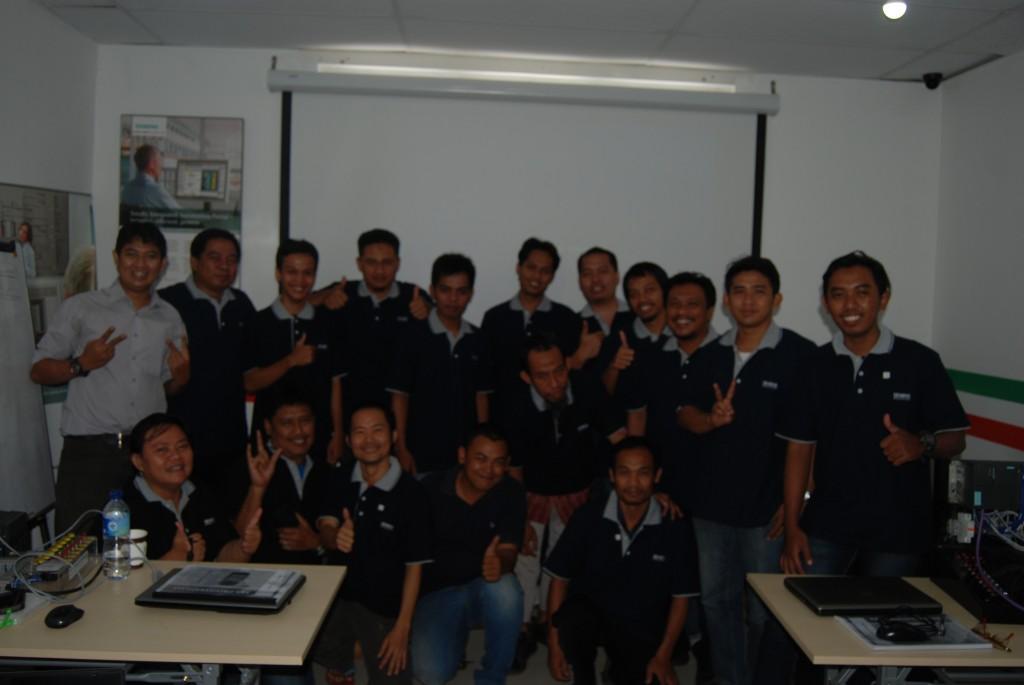 foto bersama peserta training plc siemens.